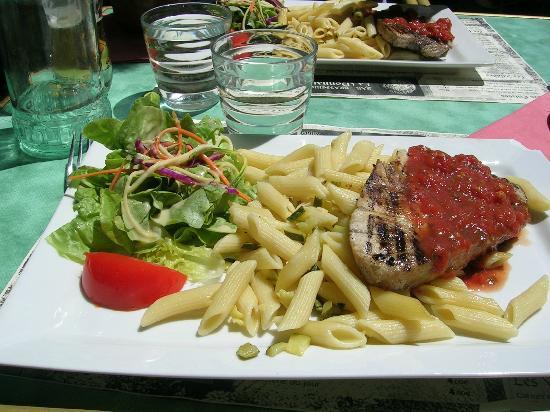 Logis Auberge La Diege : Une belle assiette, vous mangerez très bien et variée