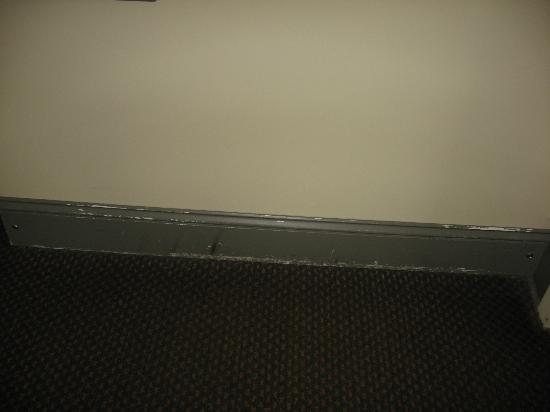 Ramada Asheville / Biltmore West: wall below sink