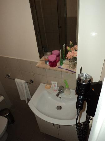 Three Apples Taksim Suites: bathroom