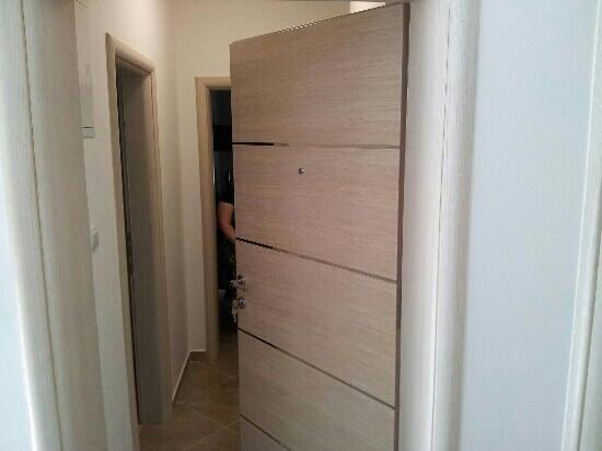 City Apartments Jelena: entrata porta
