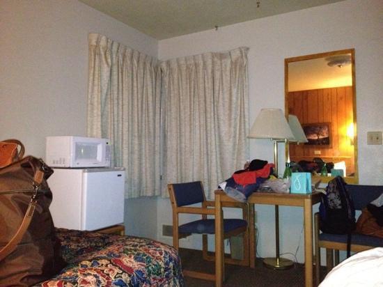 Sidney Motor Lodge: room