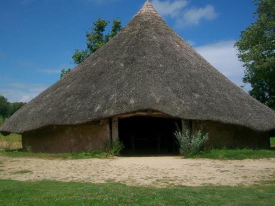 Crymych, UK: Replica Iron Age Hut