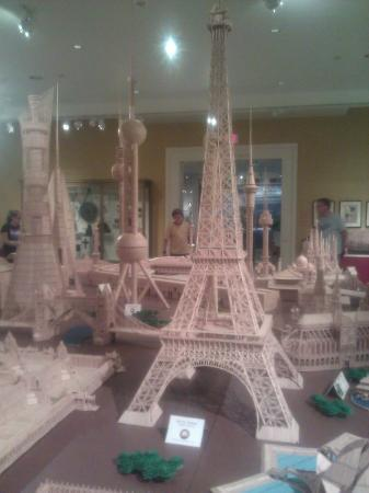 Reading Public Museum: Toothpick buildings