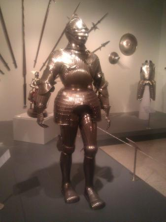 Reading Public Museum: Suit of Medieval Armor