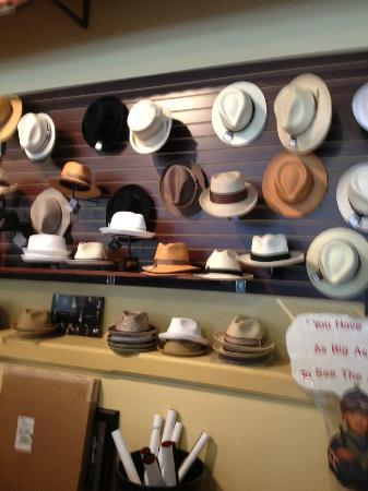 Gangster Museum of America: Wish I had bought a fedora!