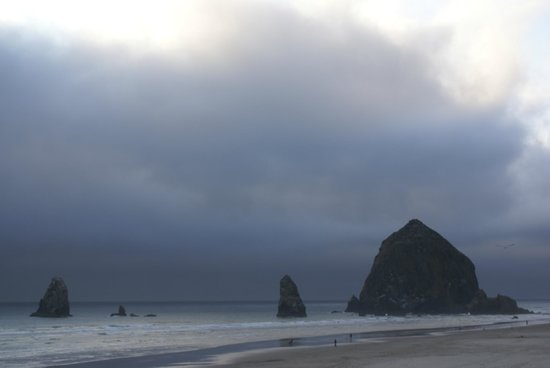Stephanie Inn: View of Haystack Rock-Cannon Beach