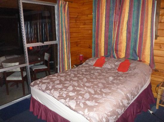 Hanmer Backpackers: double room