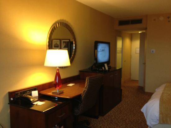 Crystal Gateway Marriott: room