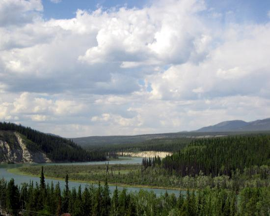 Территория Юкон, Канада: Yukon River near Whitehorse