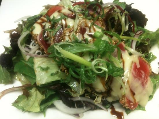 Chinois Asian Bistro: Seared Ahi Organic Salad