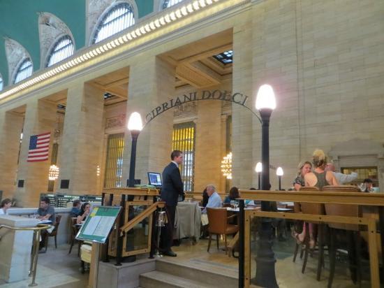 Cipriani Dolci : Restaurant entrance inside GCT