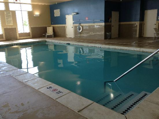 HYATT House Denver Airport: pool (there is a hot tub as well)