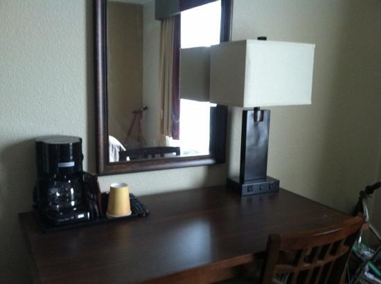 Bear River Casino Resort: desk