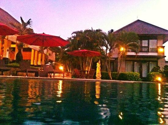 Villa Menari Bali: Pool area
