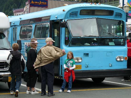 The Glacier Express Blue Bus: The Blue Bus