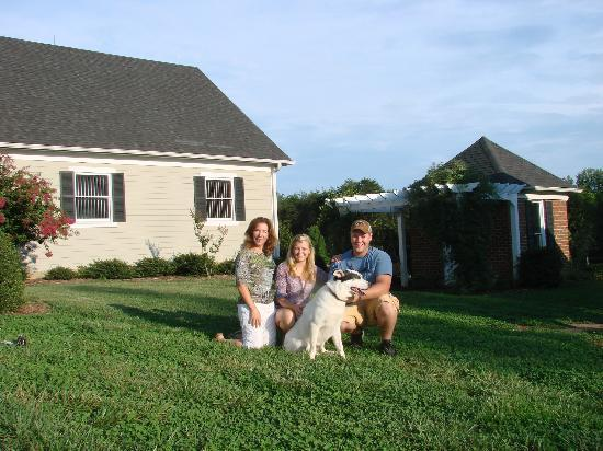 Barking Fox Farm Guest House: Guests