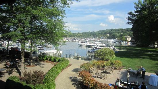 Fontana Grill: View of Geneva Lake from restaurant window