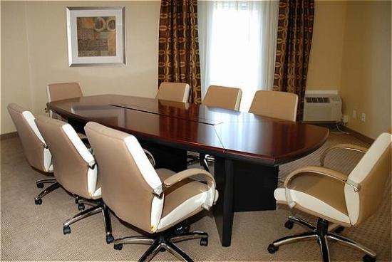 Holiday Inn San Mateo-San Francisco SFO: Boardroom Suite with 8 Person Conference Table.