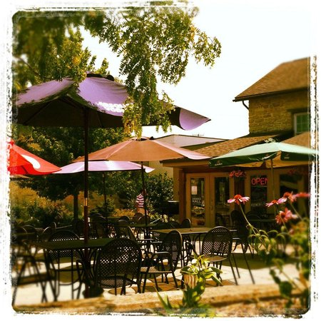 The Mill Restaurant and Pub: The patio