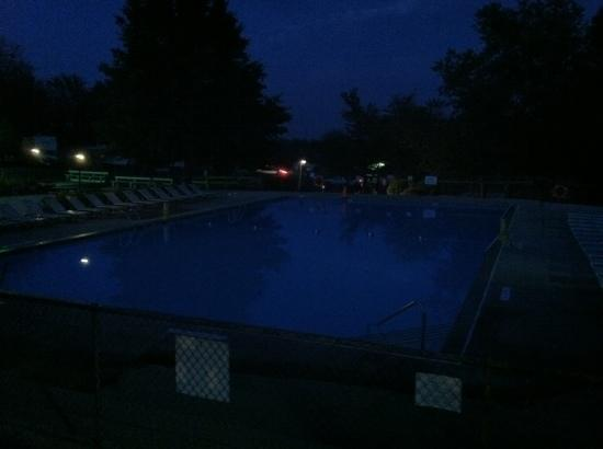 Round Top Campground: pool at nite