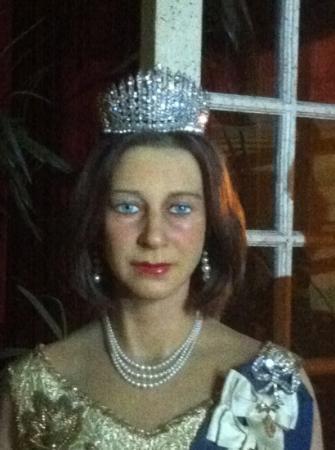 Josephine Tussauds Wax Museum: Queen Elizabeth. seriously.