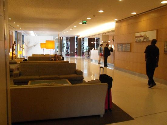 Mercure Porto Gaia: lobby so georgeous