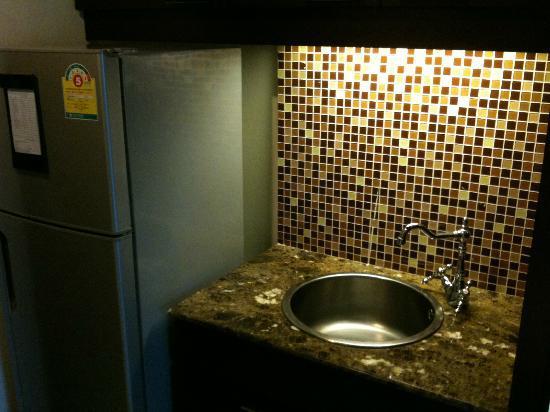 LK Residence: Refrigerator 冷蔵庫あり