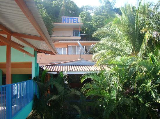 Hotel Mirador de Amapala: Vista desde una zona alta de pasillos