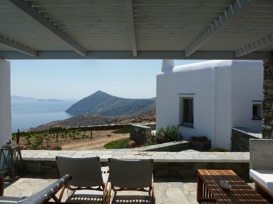 Provalma Studios: Pool relaxing area