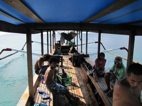 Manta Dive: boat deck 2