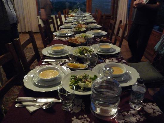 Villa Fe Butik Hotel : Dinner is Ready!