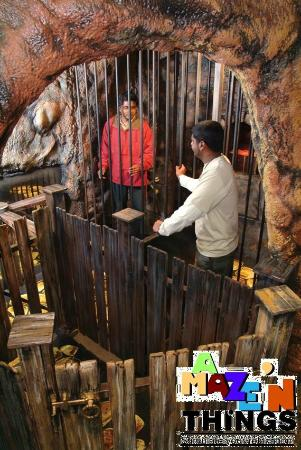 A Maze'N Things: Lost in the Treasure Cave