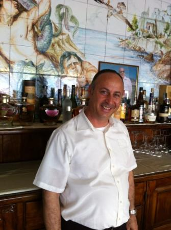 Gabbiano Beach: Pasquale at his famous sea food restaurant.