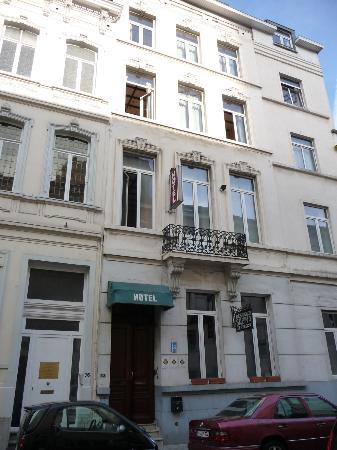 Hotel Sabina : Ansicht von der Strasse