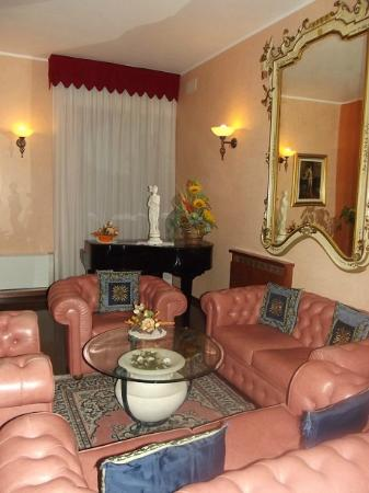 Grand Albergo Fortuna: le petit salon
