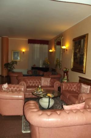 Grand Albergo Fortuna: lz pztit salon