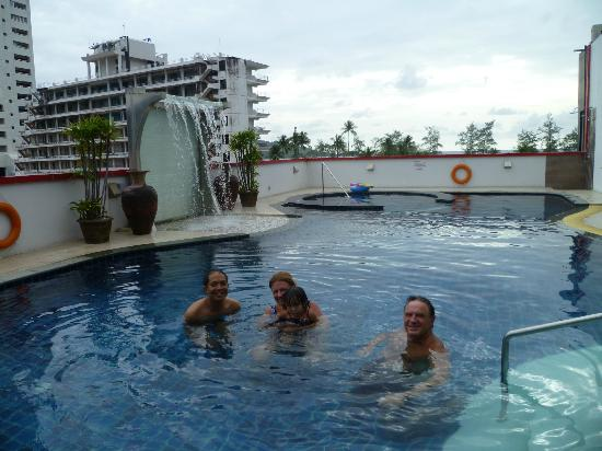 Absolute Bangla Suites: Rooftop pool with our friends