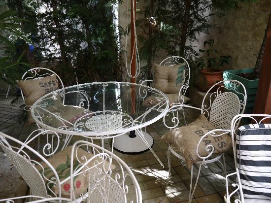 The Aigli: breakfast area