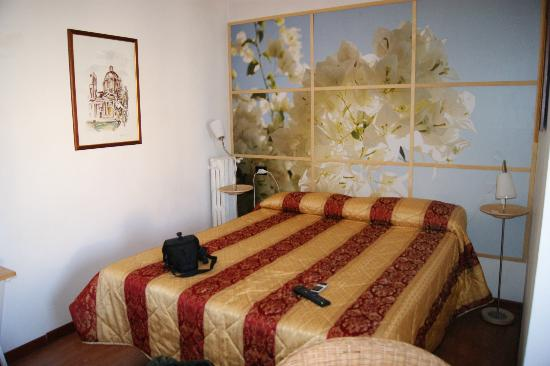 CityRoom Bed & Breakfast: City Room | Via Veio 52A, 00183 Roma, Italia