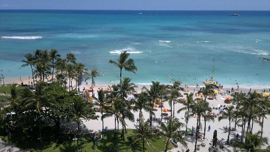 Waikiki Beach: Der Waikiki-Strand mit Blickrichtung Südsee