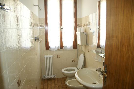 Hotel Prater: Toilette dependance