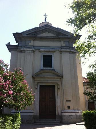 Parroquias de San Antonio de la Florida y San Pio X : La chiesa