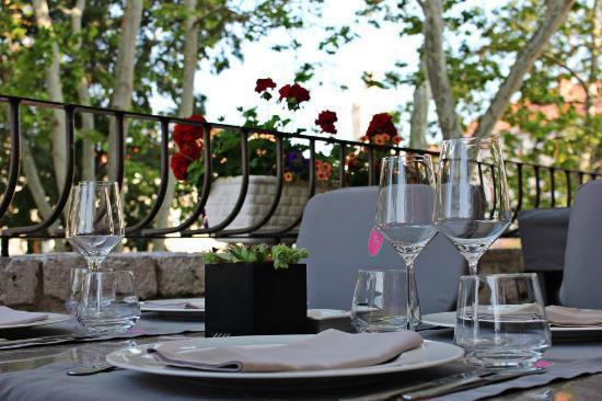 Restaurant Kastel: Detail from the terrace
