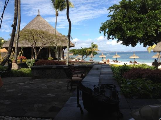 The Oberoi, Mauritius: view of the beach at breakfast