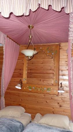 Hotel Le Marais: Ciel de lit chambre