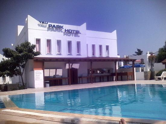 Yalipark Hotel