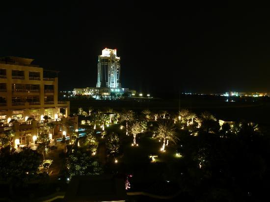 Grand Hyatt Doha Hotel & Villas: After Dark