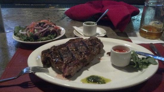 UMMO Argentinian Grill: Bife de Crorizo con Ensalada @ Ummo