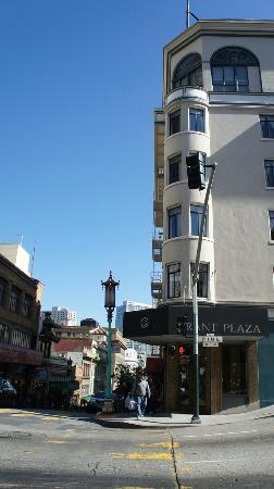 Grant Plaza Hotel: View of Grant from outside