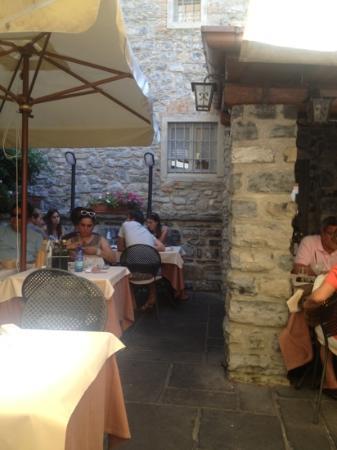 Antico Pozzo Restaurant : hot day